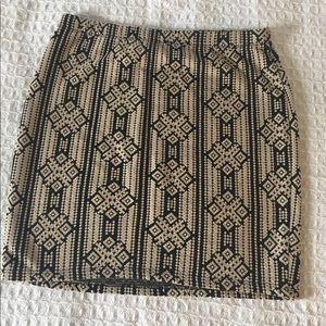 SALE 🎉 Forever 21 black and beige patterned skirt